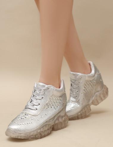 Sneakers à des diamants