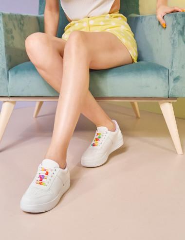 Sneakers à des lacets...