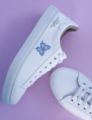 Sneakers avec détailles...